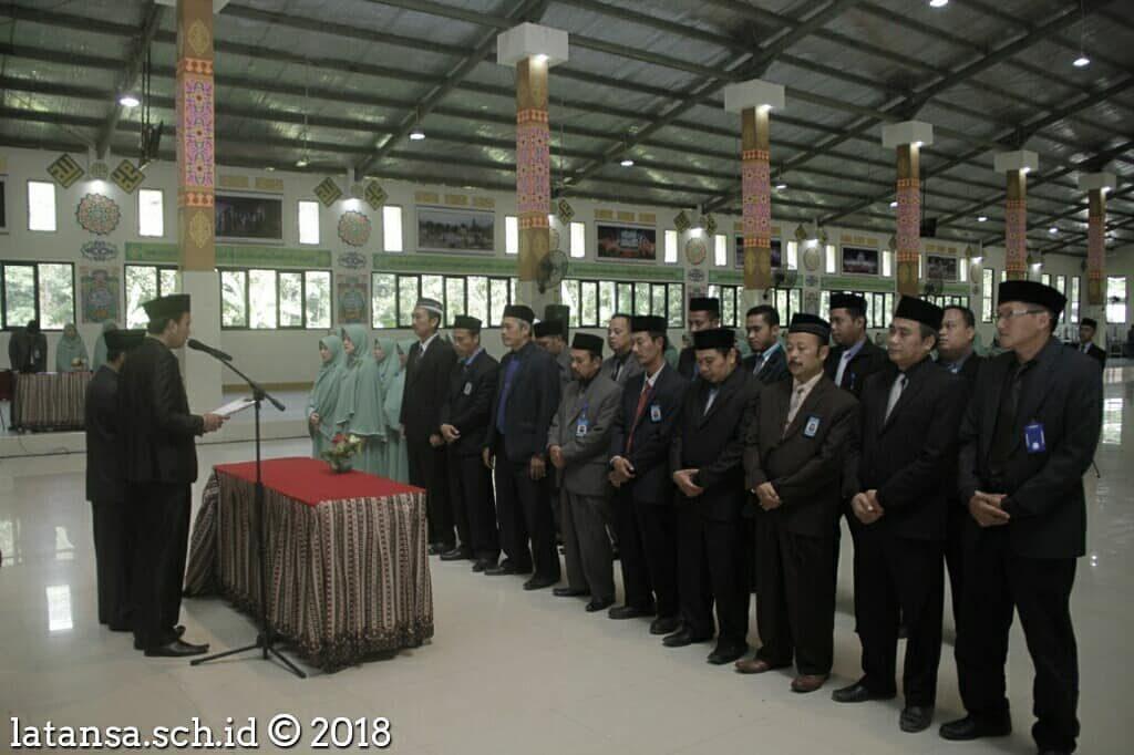 Halalbihalal Seluruh Dewan Guru dan Pelantikan Pengurus Pondok Bersama Pemimpin Pesantren